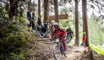 Video: Aaron Gwin Race Camp v Leogangu