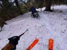 Video: Jerome Caroli na lyžích a Vincent Tupin na bajku. Na stejné trati!