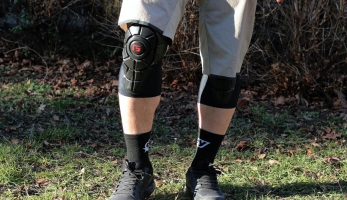 Test: G-Form Pro-X Knee - chrániče, které rozhodně nepřehlédneš