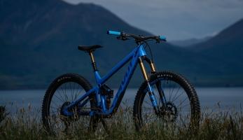 Pivot Cycles Switchblade - otevírá novou éru all mountain kol