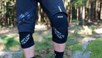 Test: chrániče Rampart Knee - kvalitní ochrana od Kellys Bicycles