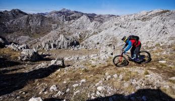 Gaspiho Kill the Hill se úspěšně vyhnul minovým polím v Chorvatsku