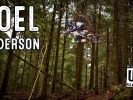 Video: Joel Anderson má stylu na rozdávání