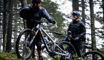 Novinka: Pivot Trail 429 - agresivita endura křížená s rychlostí XC kola