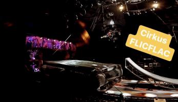 Video: Flicflac Circus - z Tomáše Zejdy se stal cirkusák