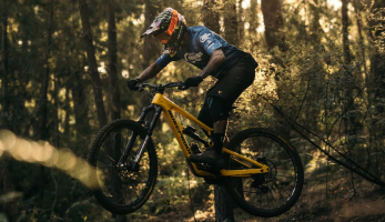 Video: Sam Hill - Between the Races