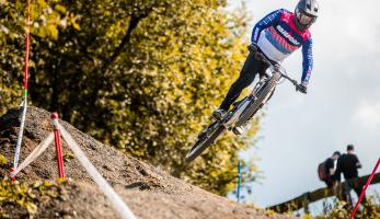 MIkuláš Nevrkla vyhrává závod 4X Pro Tour ve Winterbergu