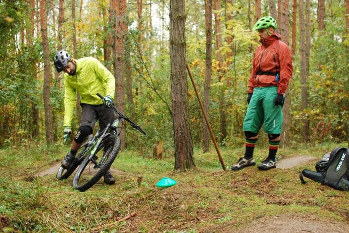 Škola jízdy - pokročilejší - bikepark Peklák